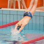 Startsprung Schwimmer